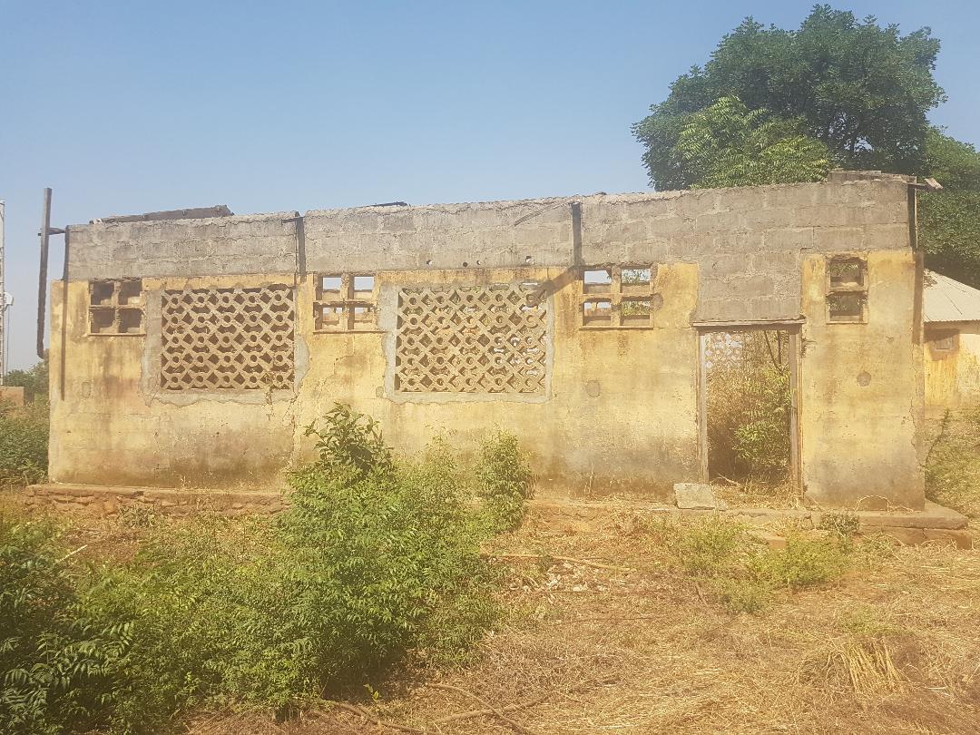 Schulgebäude an der Grundschule Wartema (TOGO)