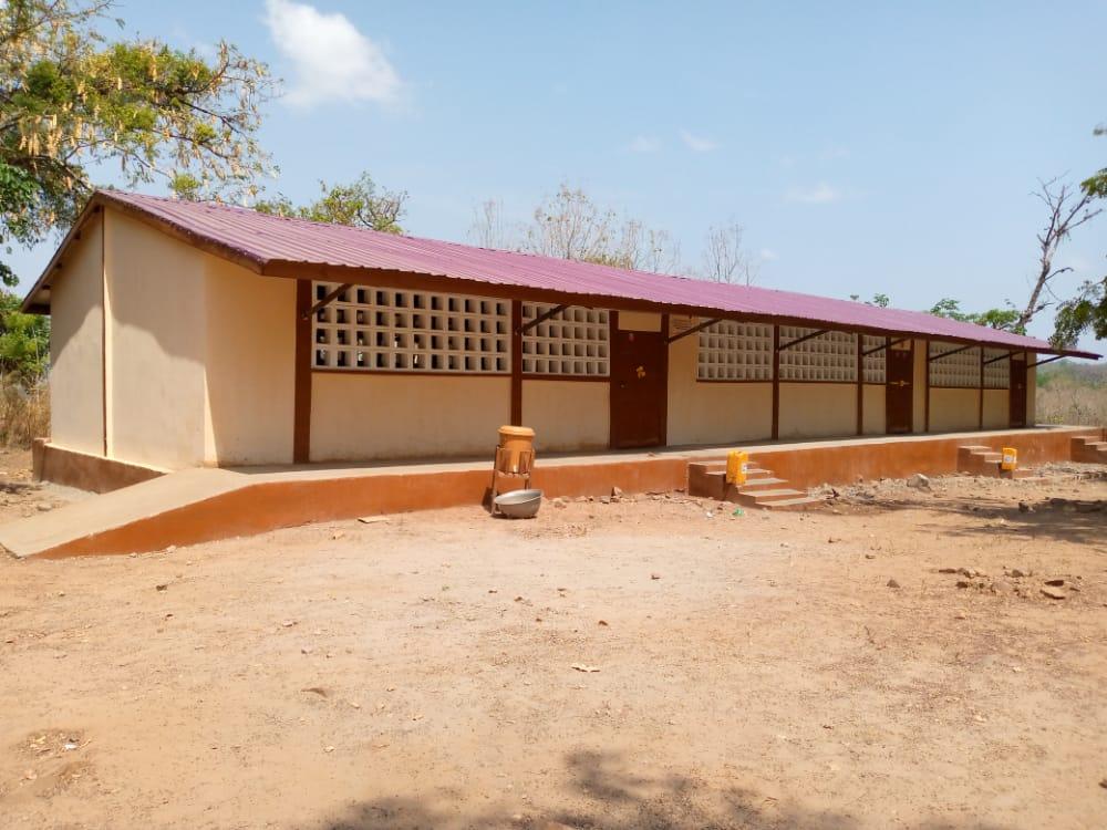 Sanierung eines Schulgebäudes im Dorf Bitchabé