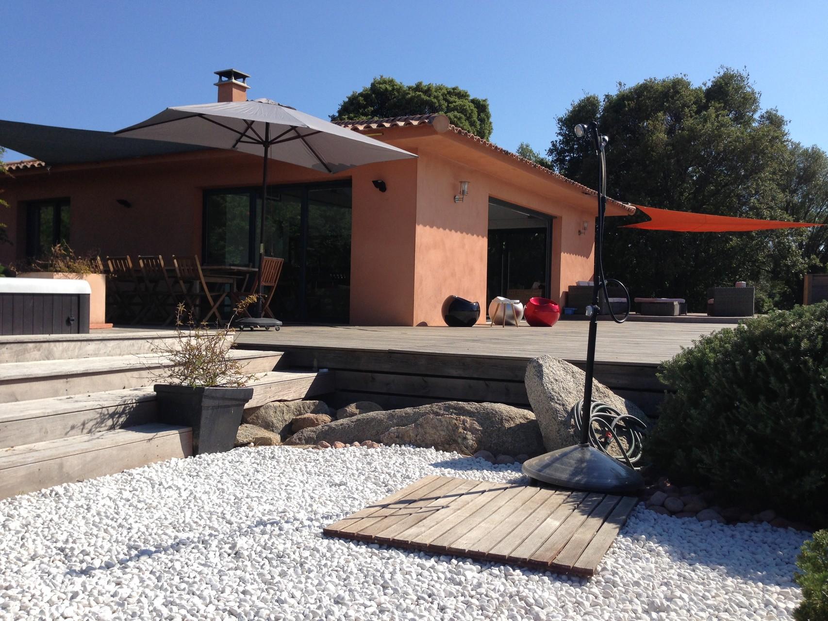 Location villa corse du sud avec piscine chauff e spa for Camping sud de la corse avec piscine