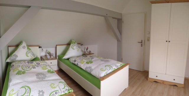 zweites Schlafzimmer mit TV