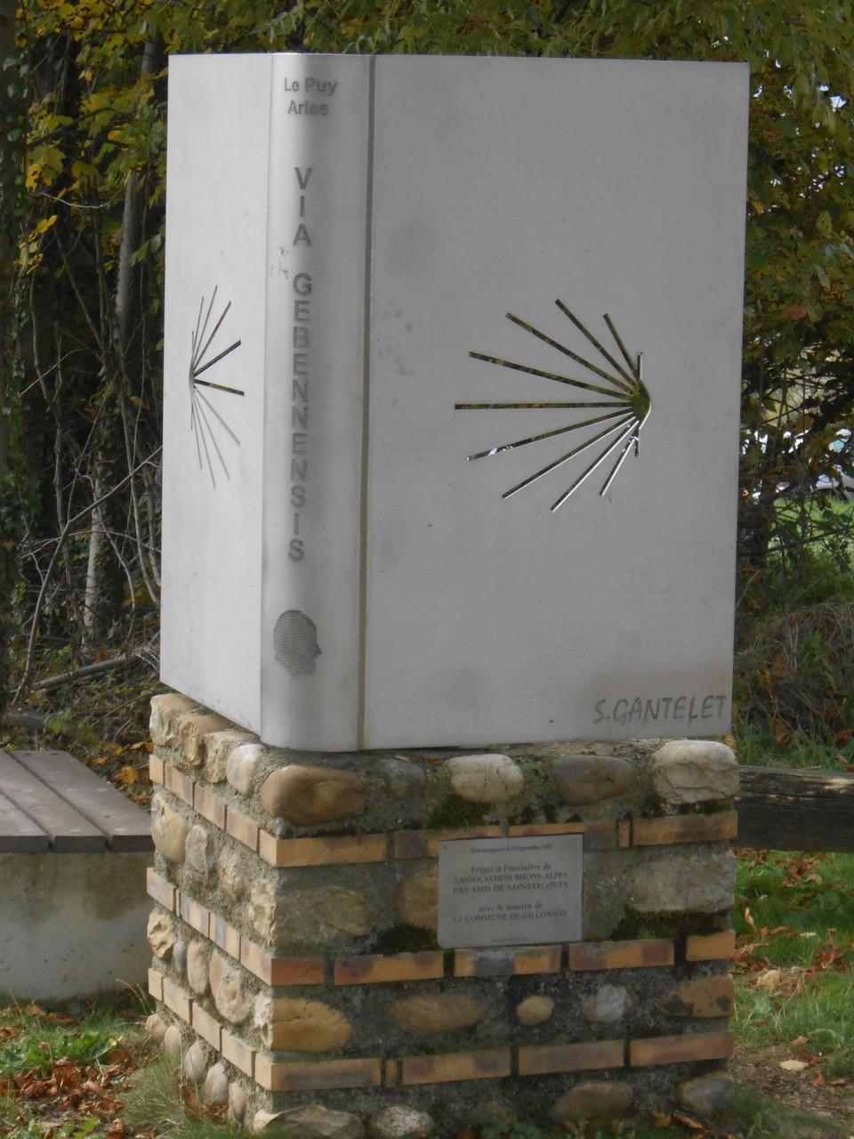 Chemin de St Jacques de Compostelle Via Gebbennensis: Le Puy ou Arles?