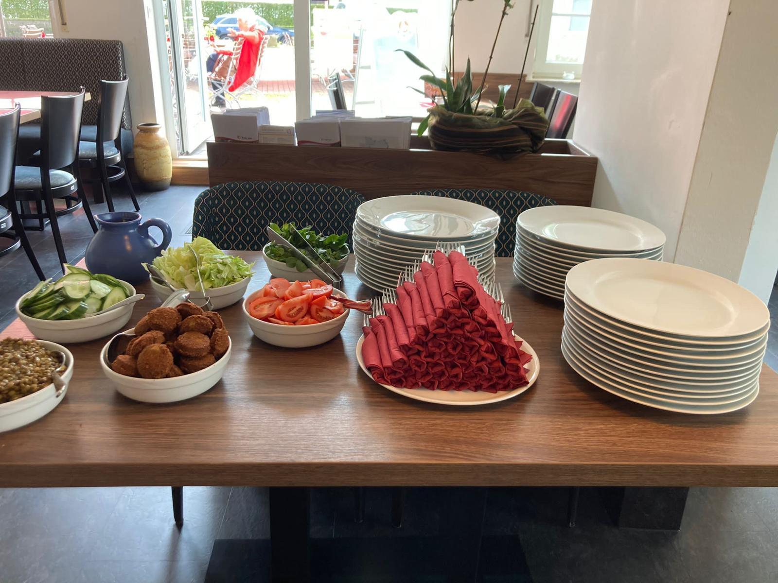 Salatauswahl & Falafel