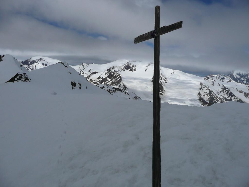 Provisorisches Kreuz an der III. Veneziaspitze