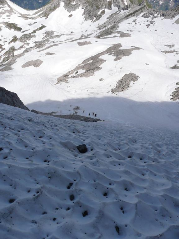 Steiles Schneefeld zum Heilbronner Weg