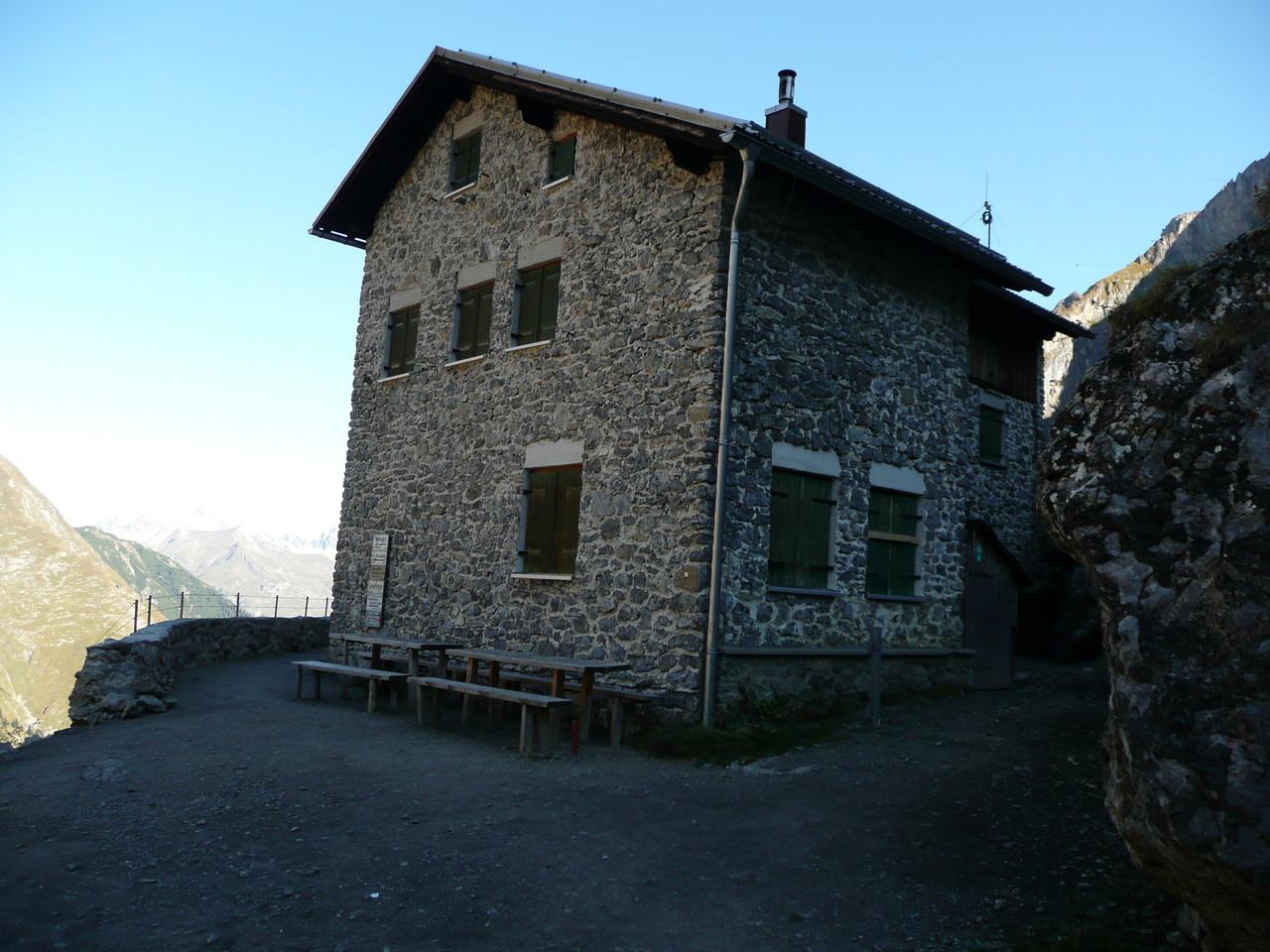 Die Simms Hütte am Weg