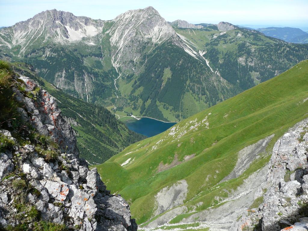 Blick von der Schochenspitze auf Rauhorn