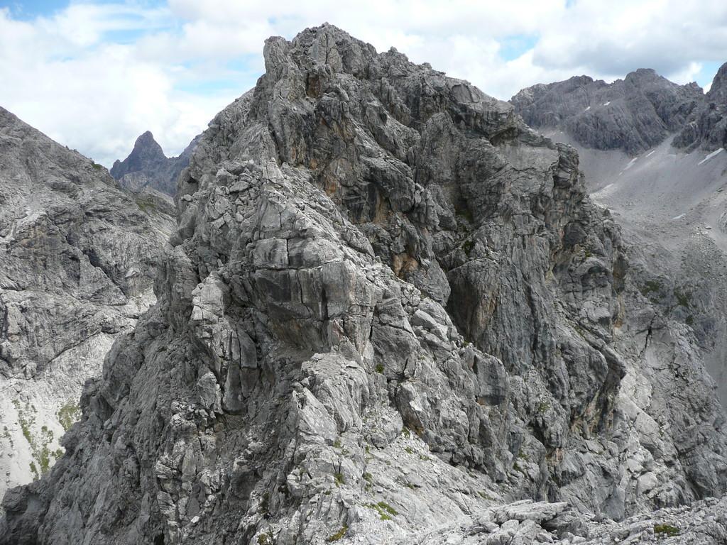 Im Gipfelbereich muß geklettert werden