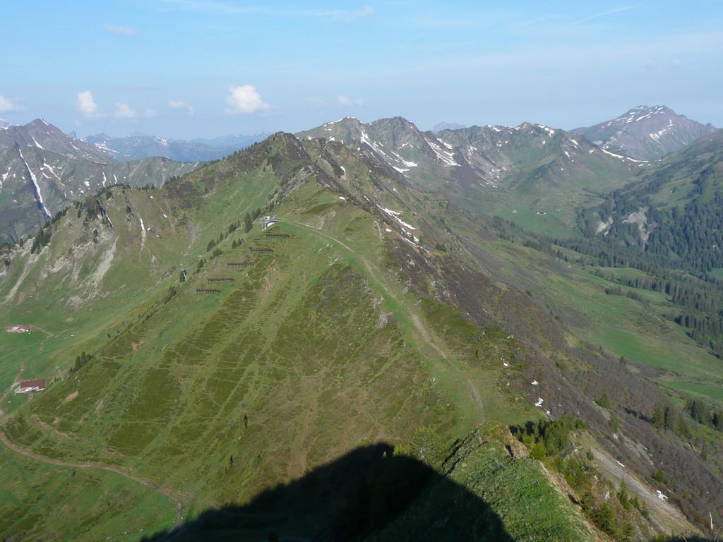 Blick vom Walmendingerhorn zum Lüchlekopf