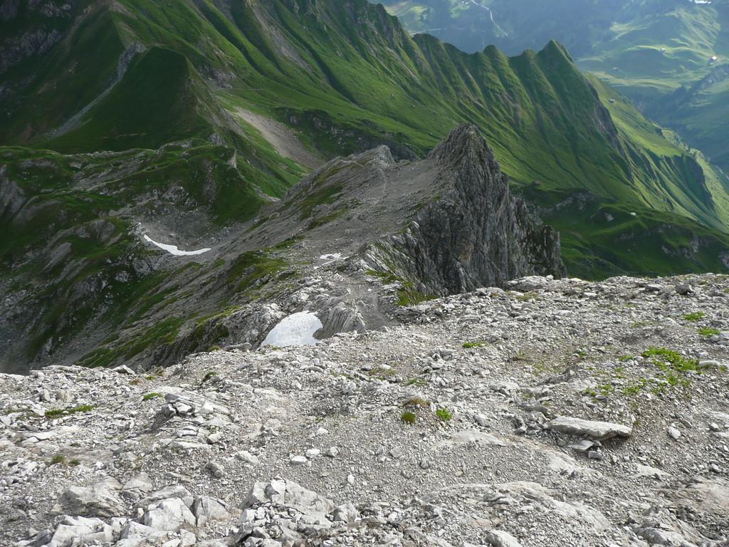 Ein großer Teil des Aufstiegsweges ab dem Fürggele im Rückblick