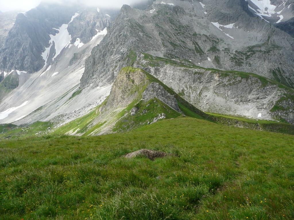 Beim Aufstieg zum Hochberg mit Blick ins Fürggele