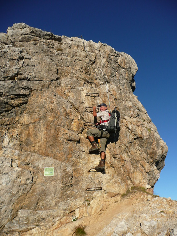 Am Einstieg zum Klettersteig