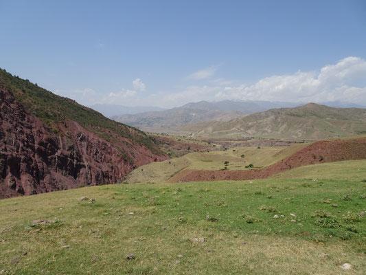 Blick zurück auf eine weite und offene Landschaft. Foto: PK