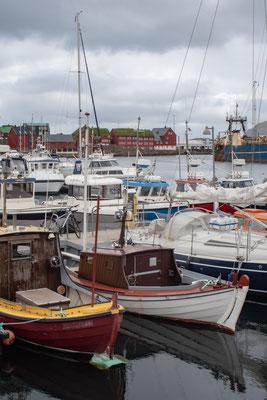 Hafen mit Blick auf Tinganes.