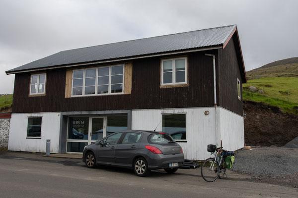Start bei unserem sympathischen Airbnb in Norðskáli.