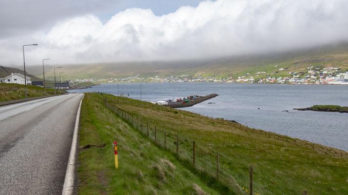 Fährhafen in Sicht.