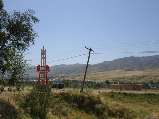 Versteh kein Wort, also vielleicht tadschikisch? Foto: PK
