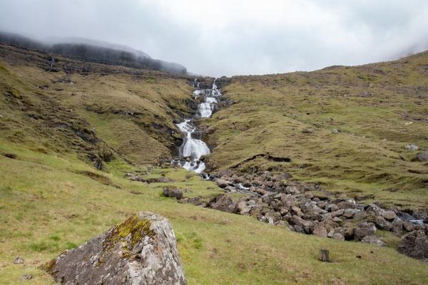 Wasserfälle kann man hier zuhauf fotografieren.