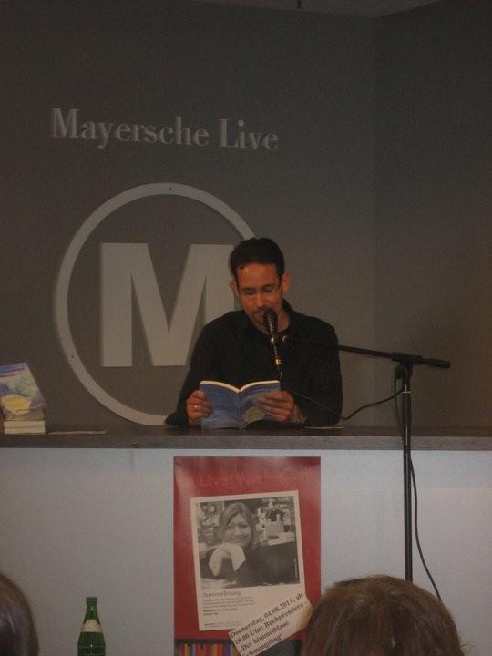 """Lesung aus """"Der himmelblaue Schmengeling"""", Mayersche Bochum, August 2011"""