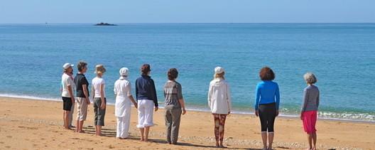 Yoga de la Voix sur la plage, en Bretagne > contemplation active et méditation sur le son