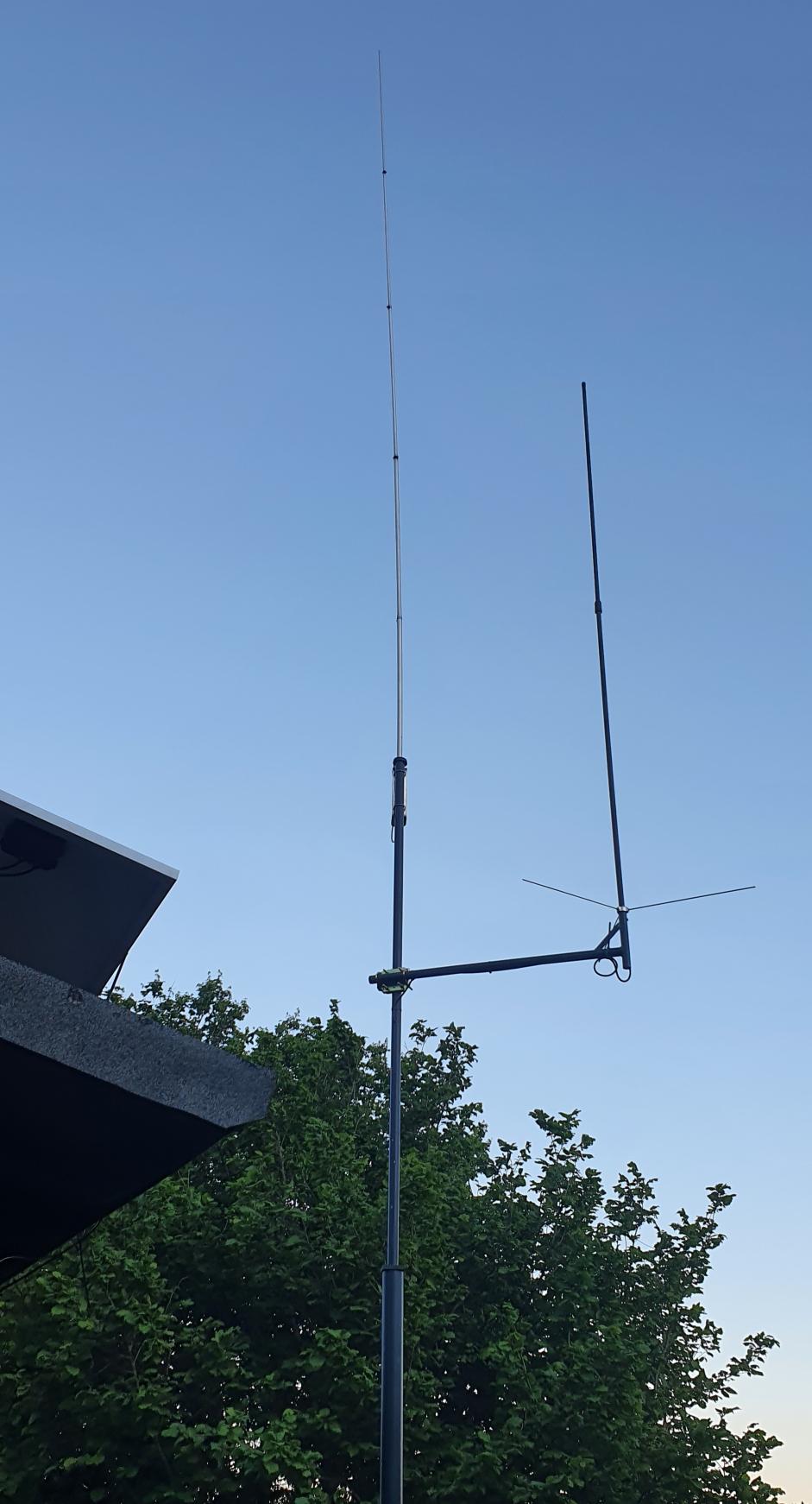 Cb  Antenne links, Pmr Empfangsantenne rechts