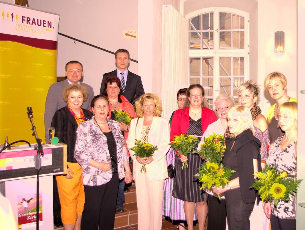 Gruppenfoto mit den Starken Frauen aus dem Landkreis