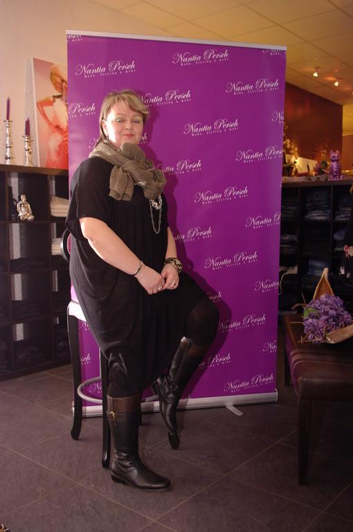 Karin F. in Miss Baron,,, feinste Garnqualität gemixt mit Spitze