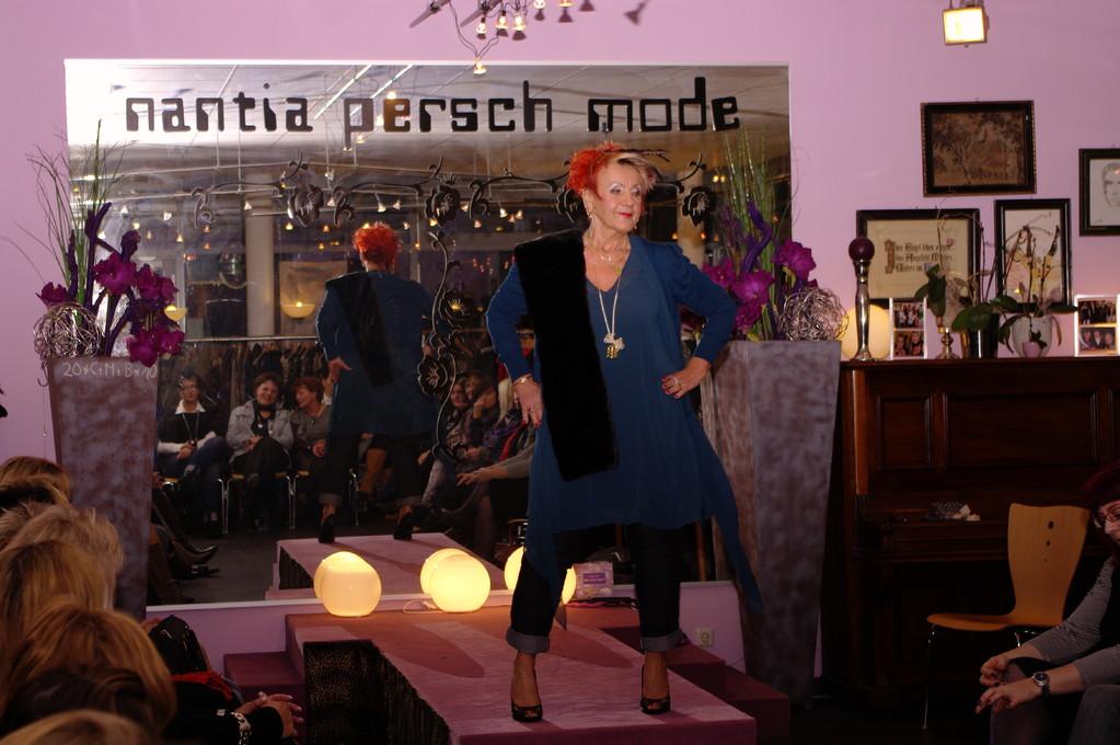 Karin Sch. in der Tunika von A.R.T.