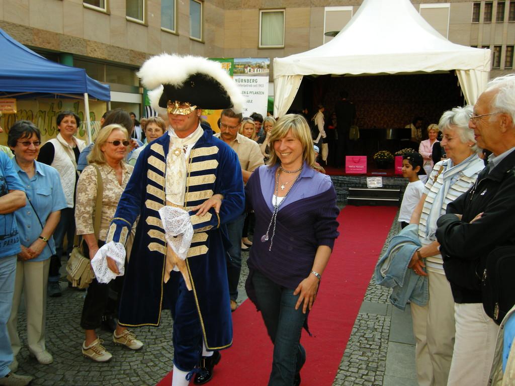 Vorher/Nachher mit einer Dame aus dem Publikum in Laziva