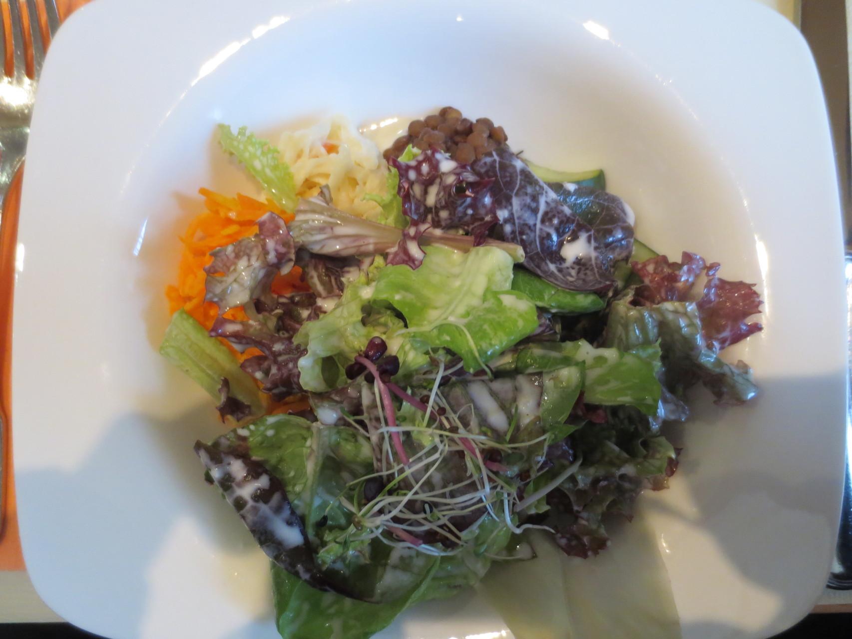 ....ein Salat als Vorspeise gehört einfach dazu!!