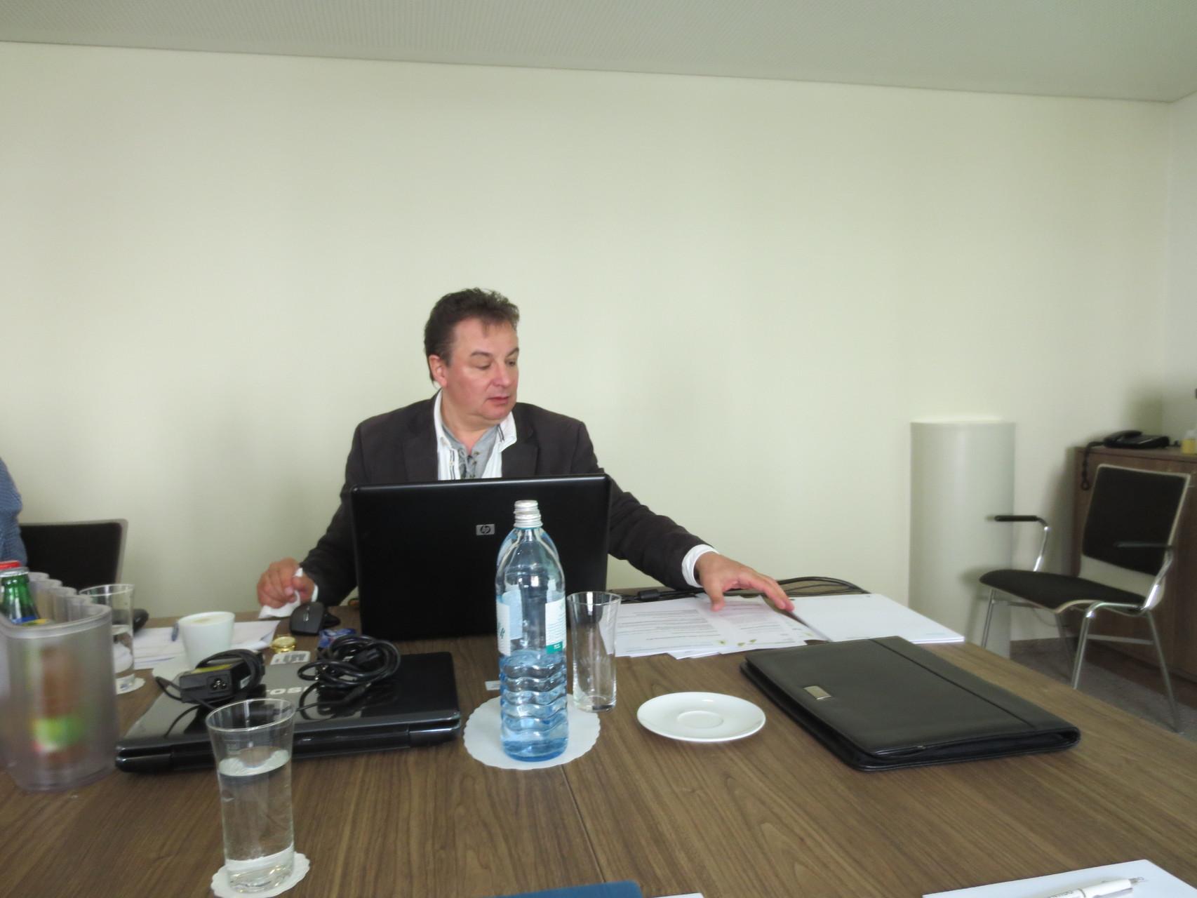 Eröffnung der 5. ordentlichen Hauptversammlung des VDSV durch den Präsidenten Silvano Fracasso