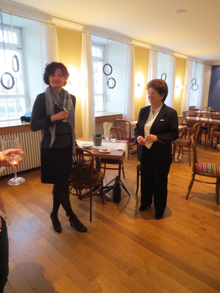 Lorena Laffranchini Bonanomi (links) mit Johanna Fracasso von Allmen (rechts)