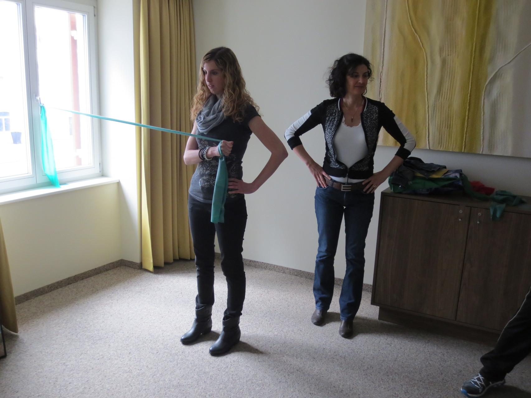VDSV-Mitglieder Sandra Niederberger und Lorena Laffranchini Bonanomi - Fleissiges Mitmachen bei den Übungen