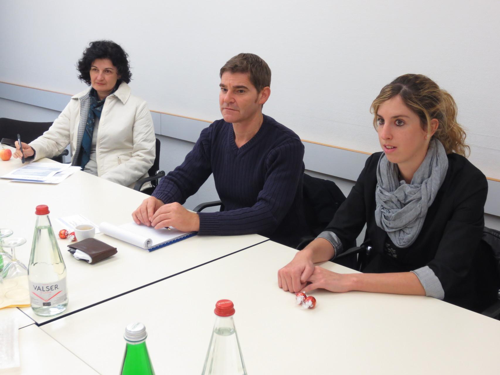 In Erwartung was da kommt...., v.l.n.r. Lorena Laffranchini Bonanomi, Corrado Oberto und Sandra Niederberger