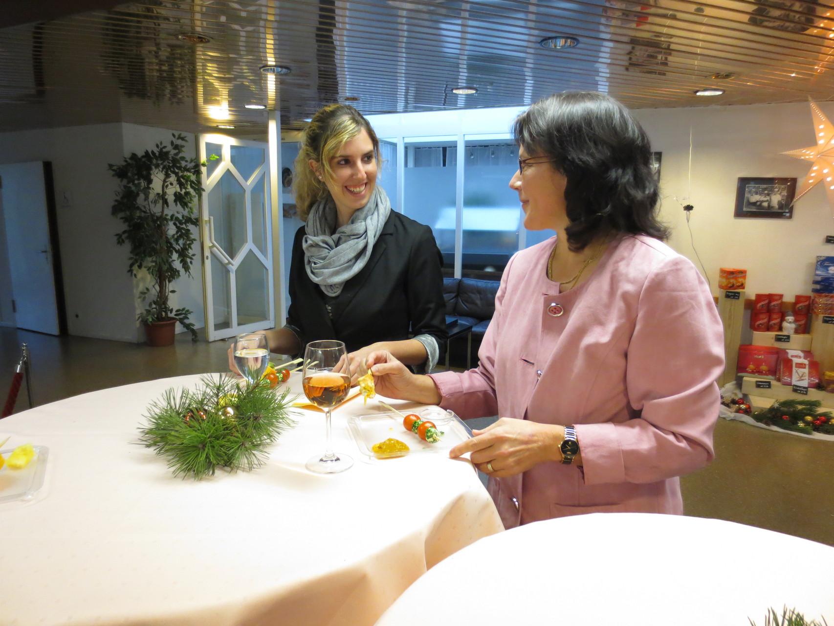 Suzi und Sandra beim Fachsimpeln..., schön, wenn sich die VDSV-Mitglieder etwas Zeit füreinander nehmen können