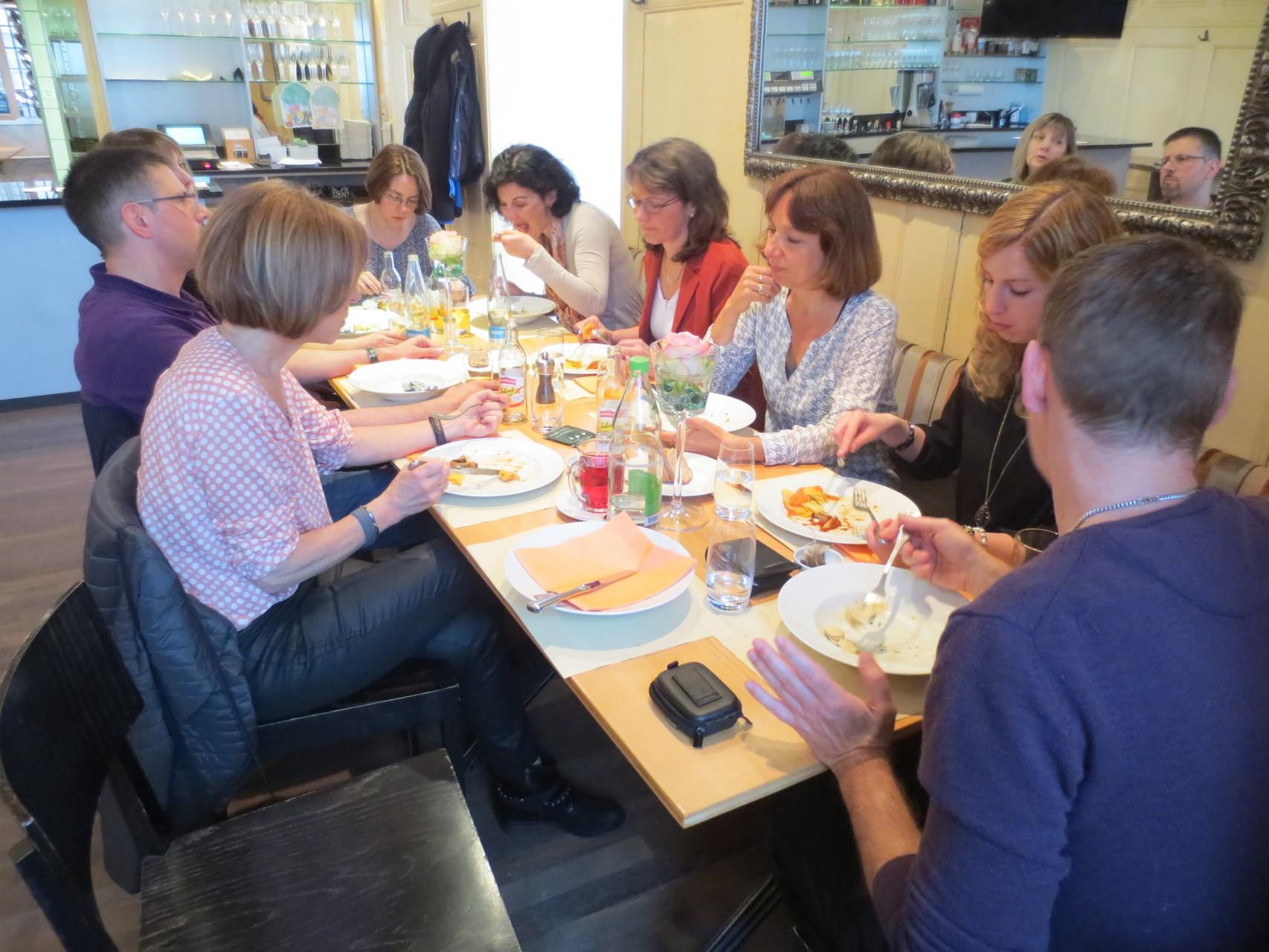 VDSV-Business-Lunch: Geselliges Beisammensein und reger Erfahrungsaustausch bei kulinarischen Genüssen im Gasthof Kreuz (CH-Egerkingen)
