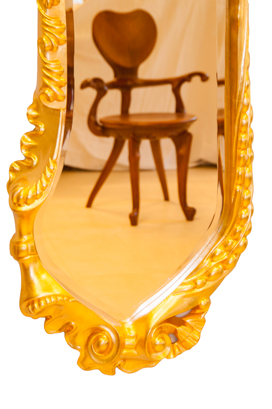 Réplica espejo Calvet dorado - Antoni Gaudí