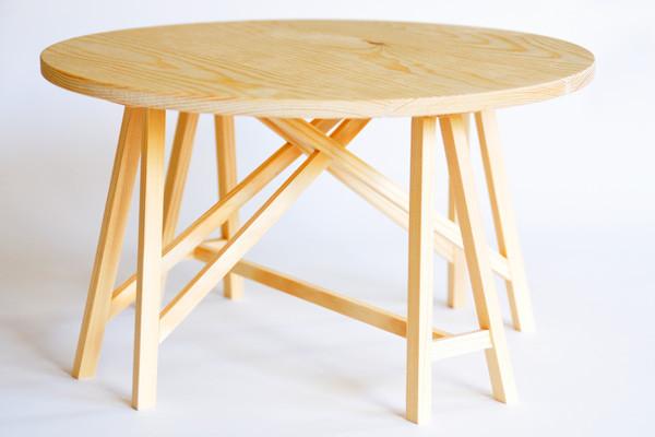 Prototip de taula rodona de cavallets