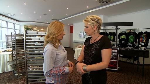 Wer kocht besser: Stefanie Hertel oder Claudia Jung? Bei einer Benefiz-Veranstaltung in Halle stellen sich die beiden prominenten Damen dem Wettkampf.