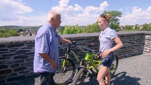 Gemeinsam mit Ulrich Lupart will Stefanie den Vogtlandradweg entlang radeln