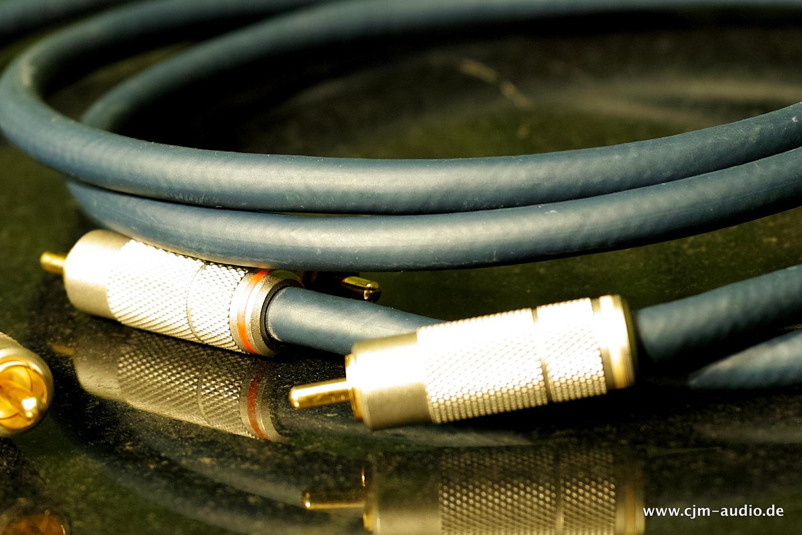 Schön Sony Proprietäre Lautsprecherkabelanschlüsse Bilder ...