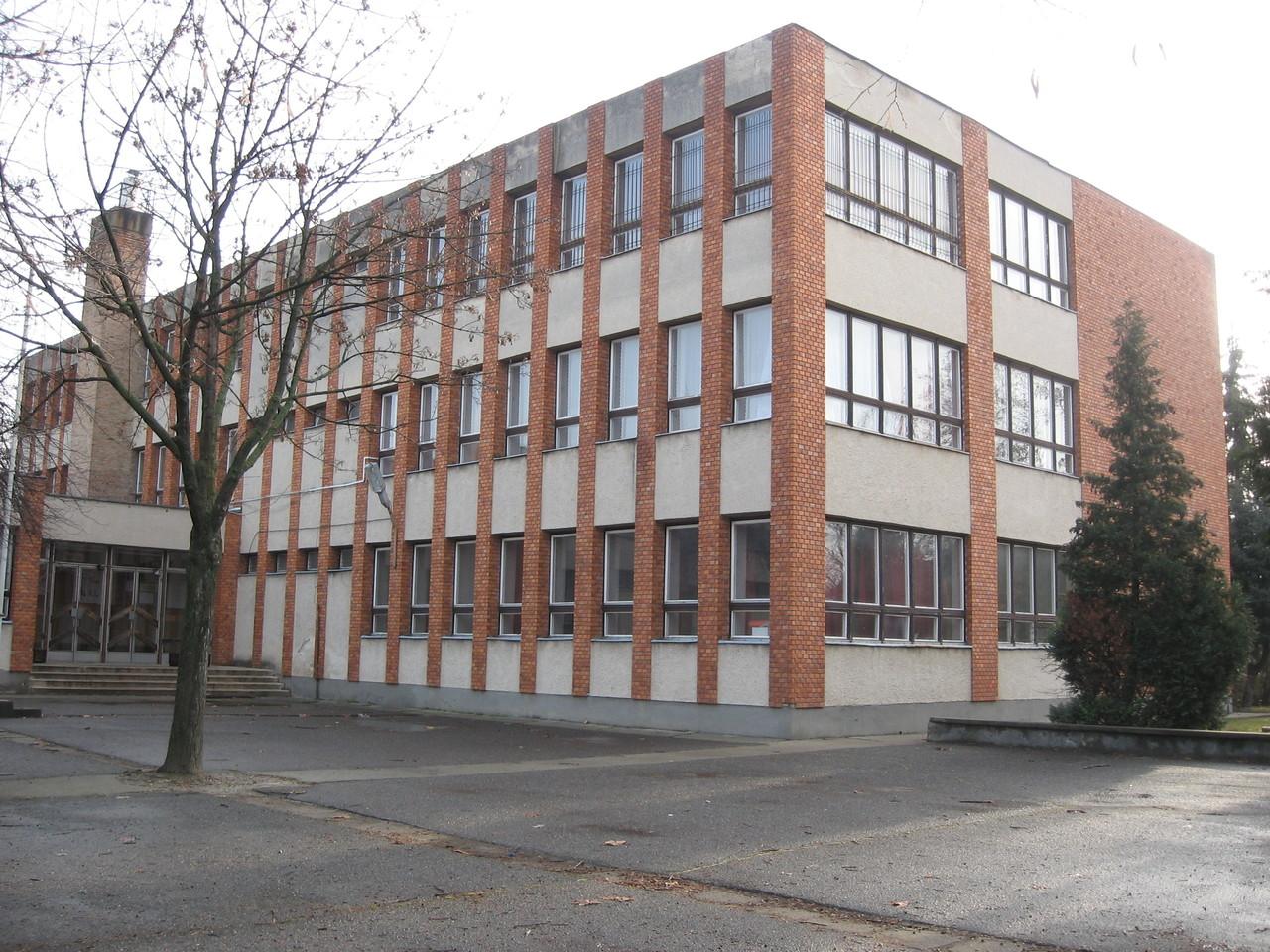 Domosod - School