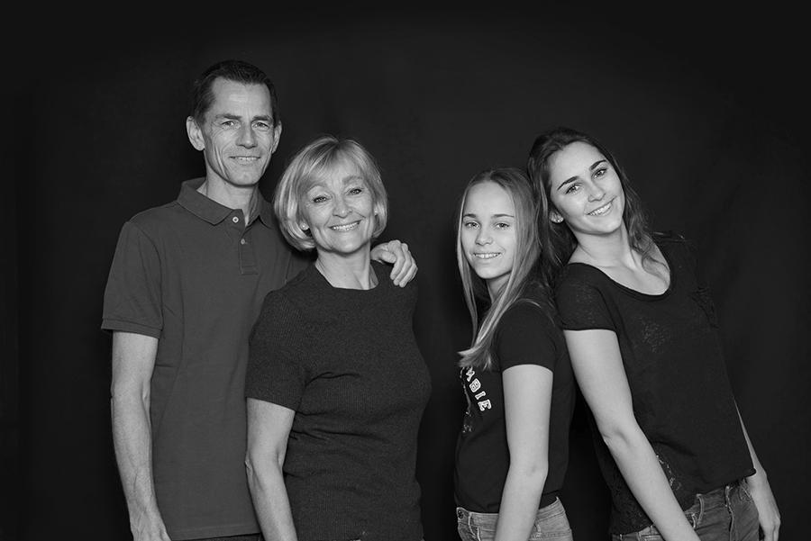 Familienfotografie mit allen zusammen mit meinem mobilen Studio
