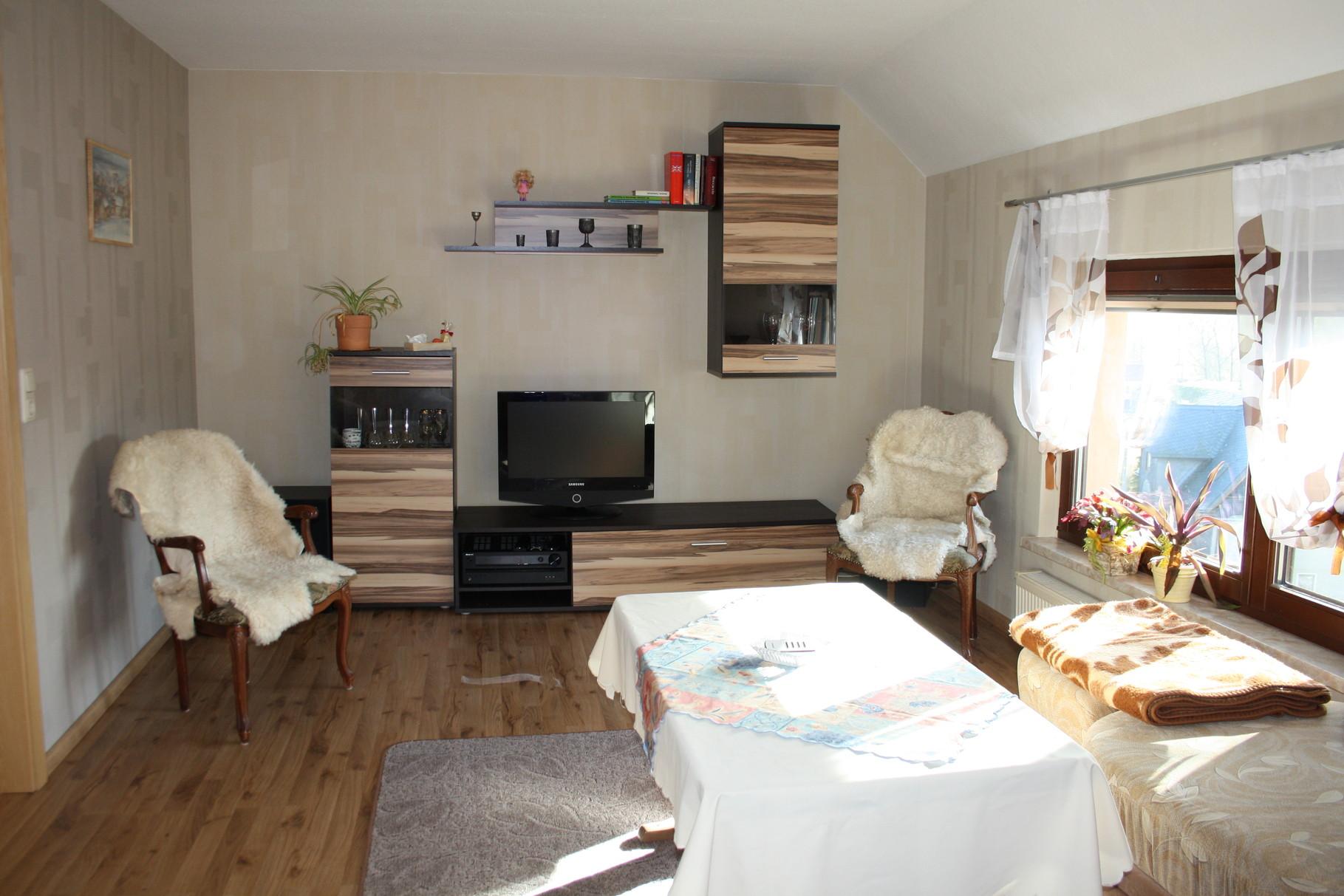 Wohnzimmer mit Flat Screen