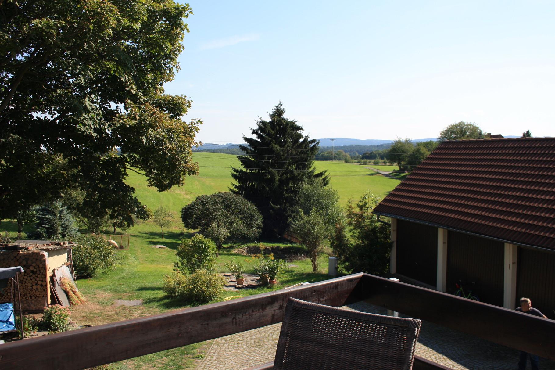 Terrasse mit Blick in das Erzgebirge