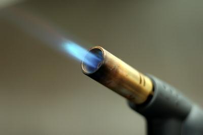 Schraube lösen mit Hitze bzw. Bunsenbrenner / Gasbrenner