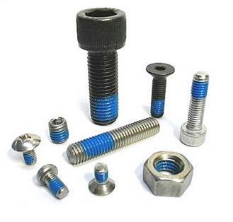 Schrauben mit Schraubensicherung, Tuflock Beschichtung, Schraubensicherungslack, Schraubensicherung Chemisch