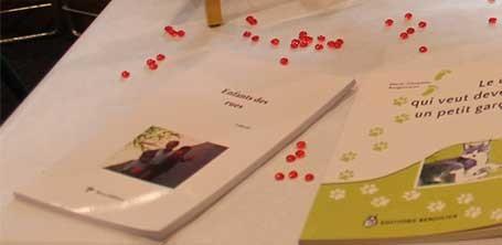 """Le livre """"Enfants des rues"""" paru chez Yucca Editions sur le stand de Cloé Perrotin à lYzeure en 2016"""