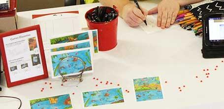 """Présentation des cartes postales de Cloé Perrotin pour le collectif de créateurs """"Moka la loutre"""" créé par Barroussemania"""