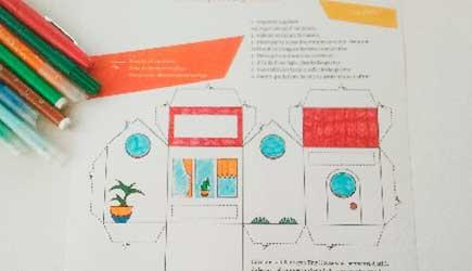 Décoration et coloriage de la Box façon Tiny house d'après le DIY papercraft pas à pas de l'illustratrice Cloé Perrotin