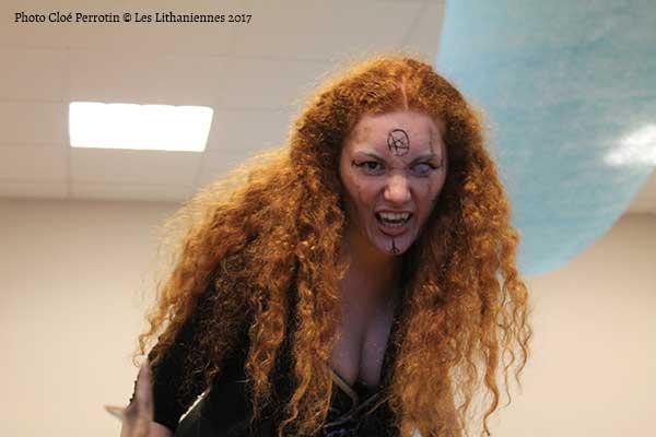 L'artiste ensorcelante Marion Eychene alias Arthaell aux Lithaniennes 2017